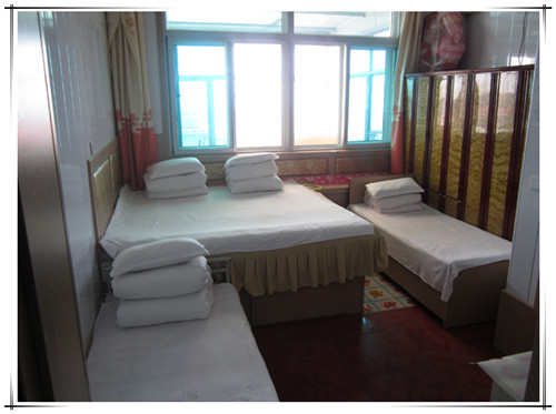 盛海酒店多人房