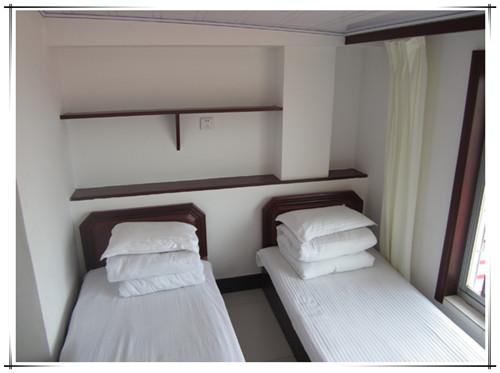 盛海酒店双人房