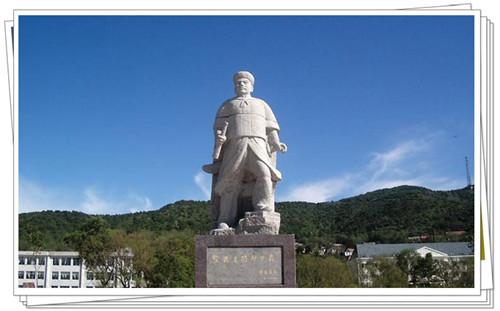 邓世昌墓碑和雕像2
