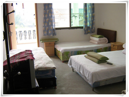 丹东大鹿岛住宿有当地的农家院旅店和高档的旅店