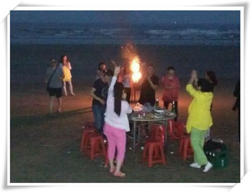大鹿岛篝火晚会自拍1